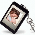 digital frame keychain 60 rb min 3 (lcd 1.5 inc, 120 g, 41x58x12 mm, 8 mb, built in li bat)